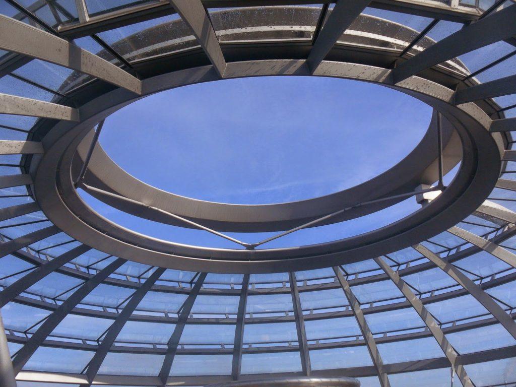 agujero cúpula parlamento berlin