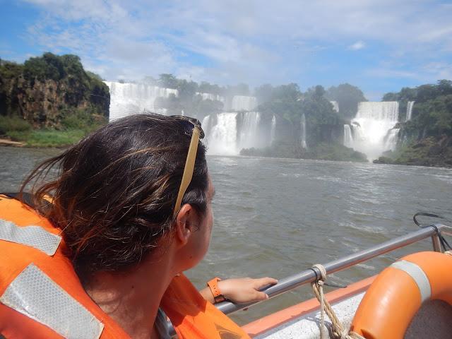 recorrido en barco cataratas iguazu